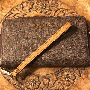 Michael Kors IPhone Wallet Wristlet